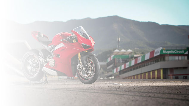 rent_a_ducati_panigale