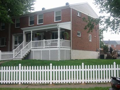 0012- 1 Porch Middle River