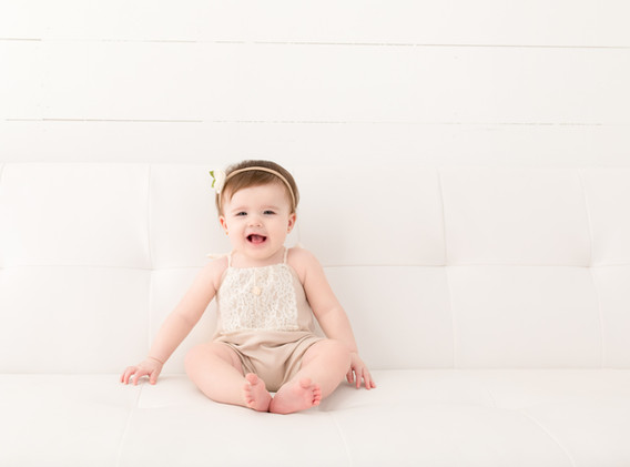 Milestone Baby Photography by Kelli Willoughby