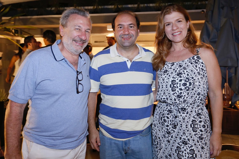 Simon Schvartzman e Gisely Oliveira e Eduardo Oliveira_0001