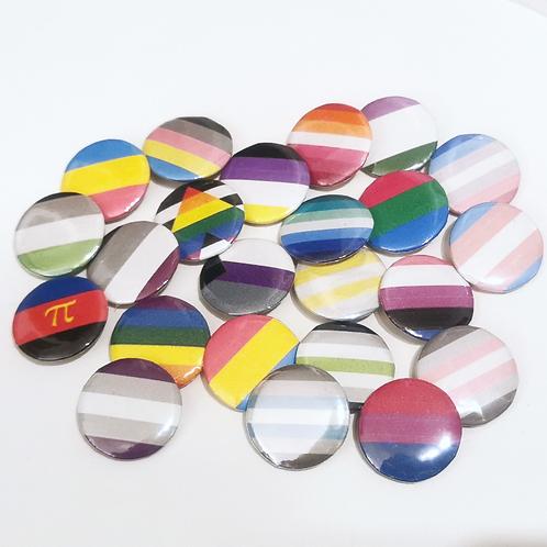 1x LGBTQ+ Pride Buttons nach Wahl