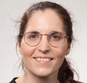 Passfoto Miriam Stöckli.jpg