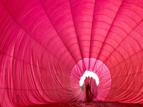 Billowing balls of silk & flying picnic baskets!