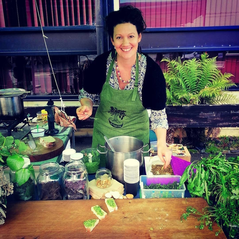 Edible Weeds Pesto Recipe, Identification and Health Benefits