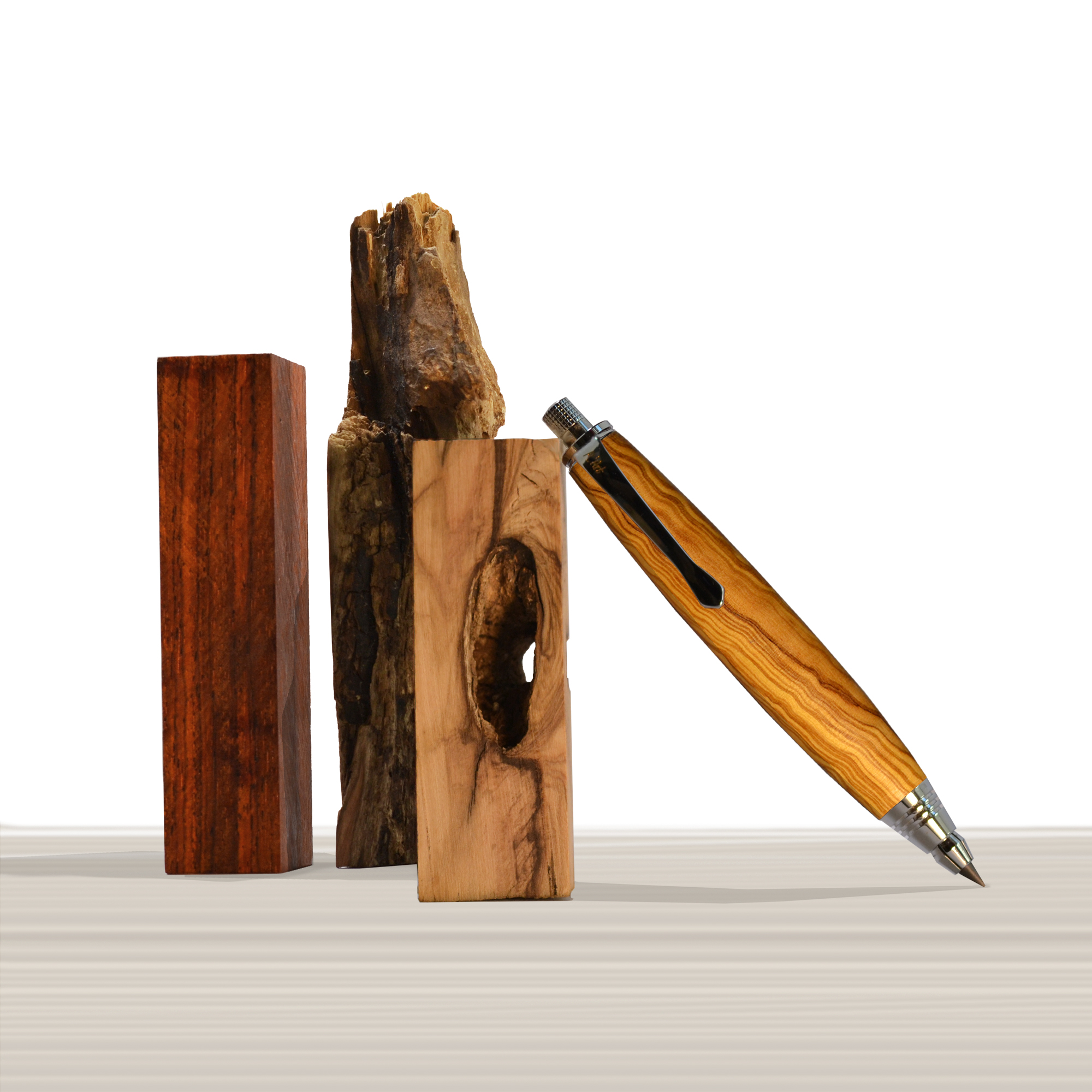 Ligabue pencil in Olive wood