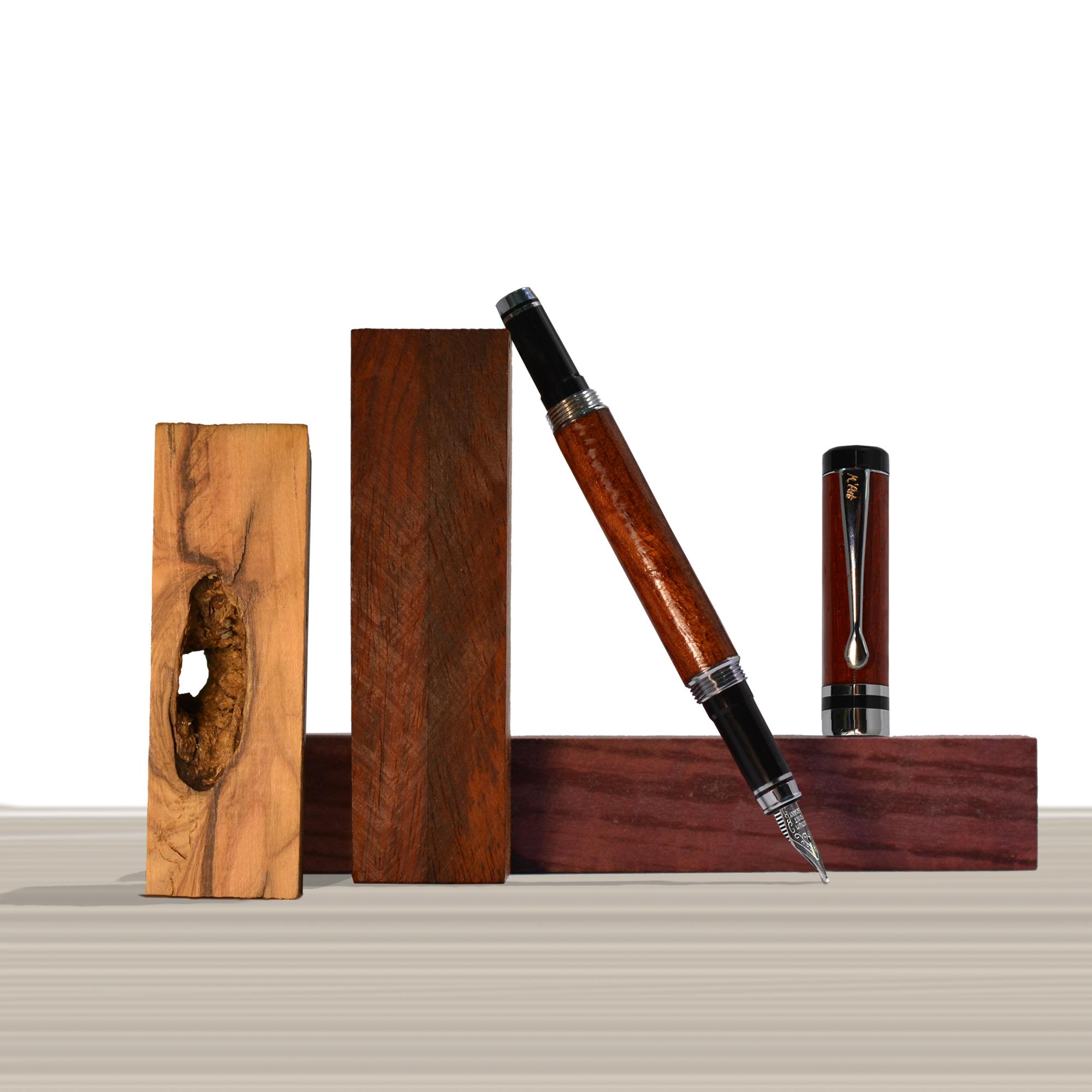 Ipazia fountain pen Padouk Wood