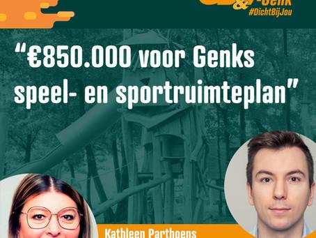 Schepenen Toon Vandeurzen en Kathleen Parthoens stellen speel- en sportruimteplan voor.