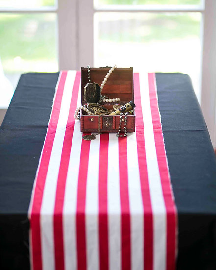 Pirate party table cloth & runner