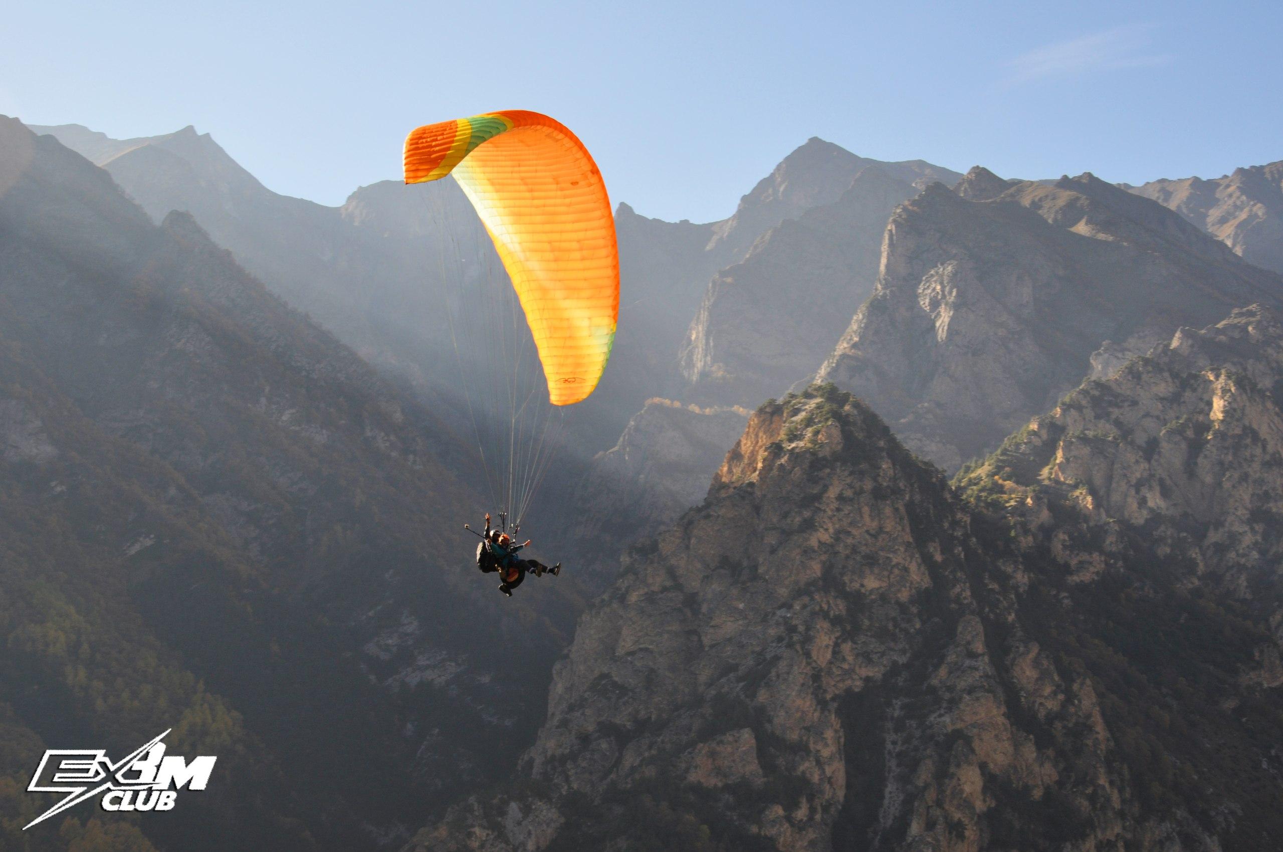 Фото Чегем полет на параплане осенью