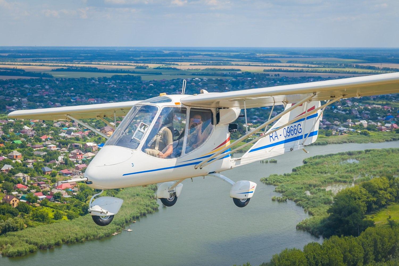 парный полет самолете на Х-32 Бекас