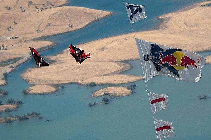 wingsuit race