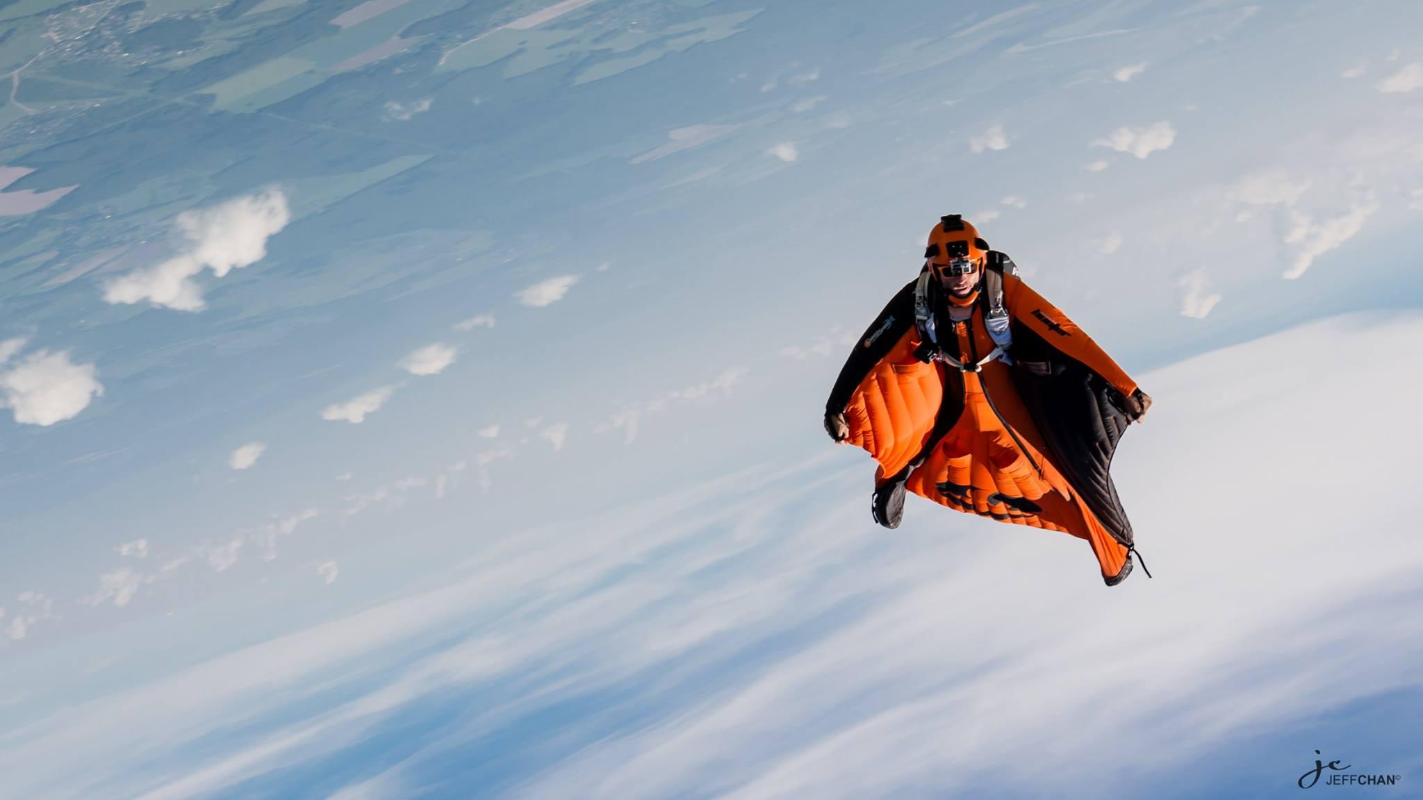 Прыжок с парашютом вингсьют Wingsuit
