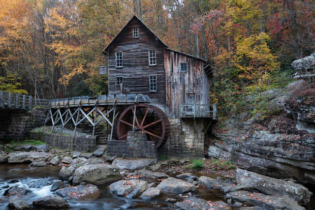 Glade Creek Grist Mill Perspective Side.