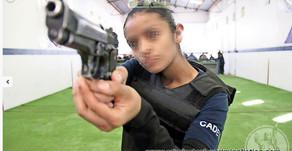 Cambian sus profesiones por las armas (Criminólogas)