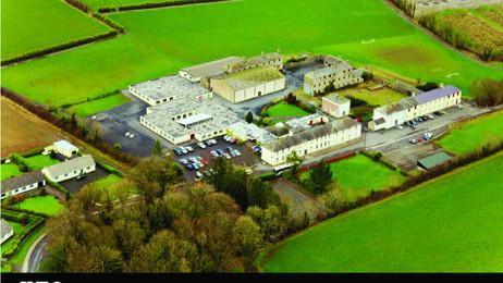 BORRISOKANE COMMUNITY COLLEGE / 2500 m2 2008 / NORTH TIPPERARY IRELAND