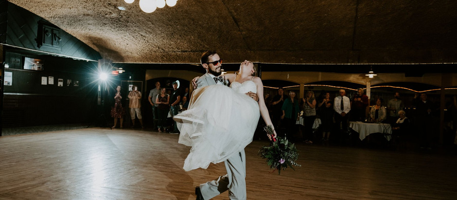 12 questions to ask your Wedding DJ before booking
