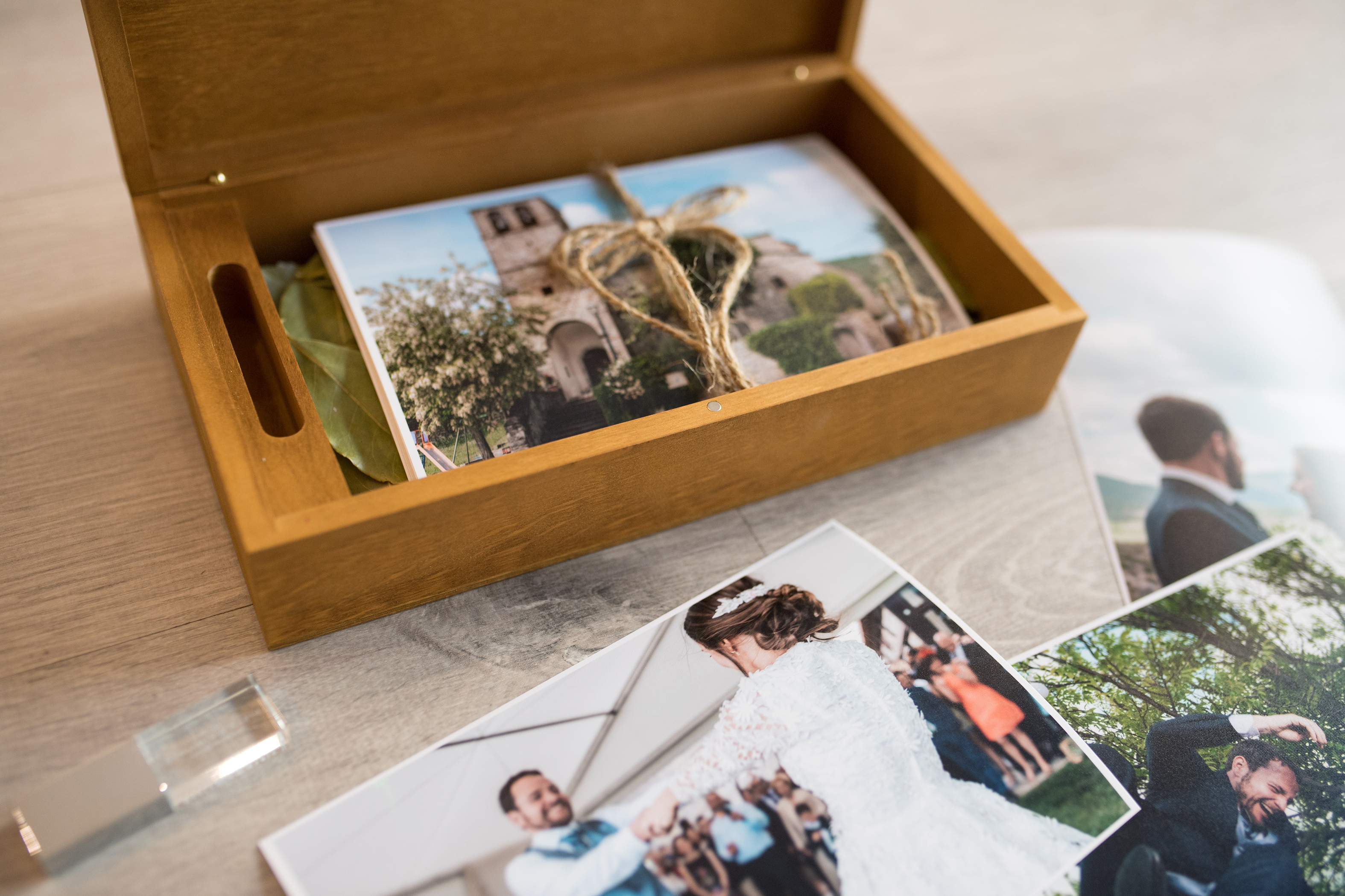 Caja con 20 fotos + pen