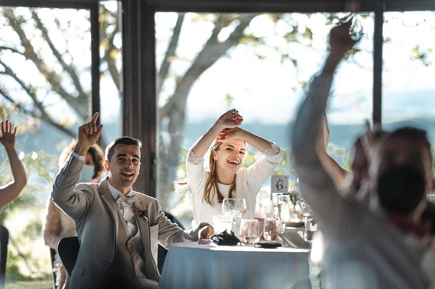 Benjamin Y Nadia_ Sabiñanigo_Fotografia de Boda_Santi Y Jael_Restaurante_Sabiñanigo-926.jp