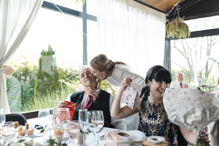Benjamin Y Nadia_ Sabiñanigo_Fotografia de Boda_Santi Y Jael_Restaurante_Sabiñanigo-142.jp