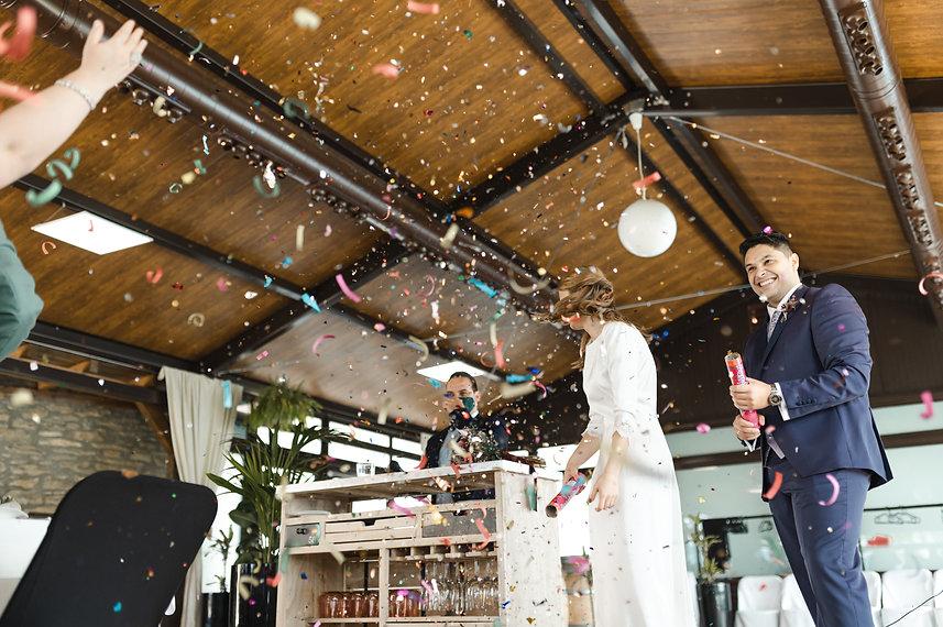 Benjamin Y Nadia_ Sabiñanigo_Fotografia de Boda_Santi Y Jael_Restaurante_Sabiñanigo-46.jpg