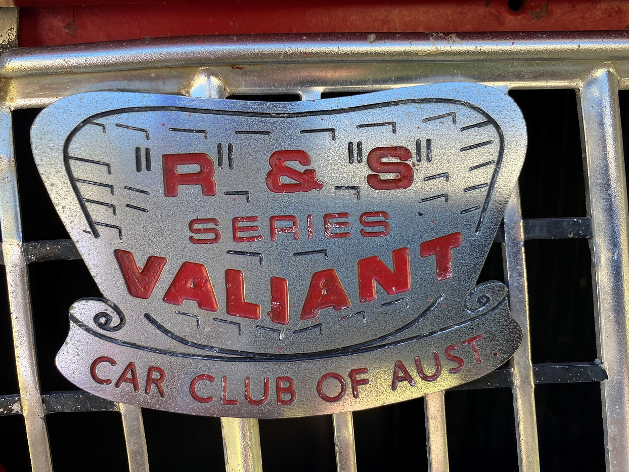 R&S Valiant Car Club Aust Radiator Badge