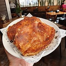 Pão com Manteiga e requeijão na Chapa