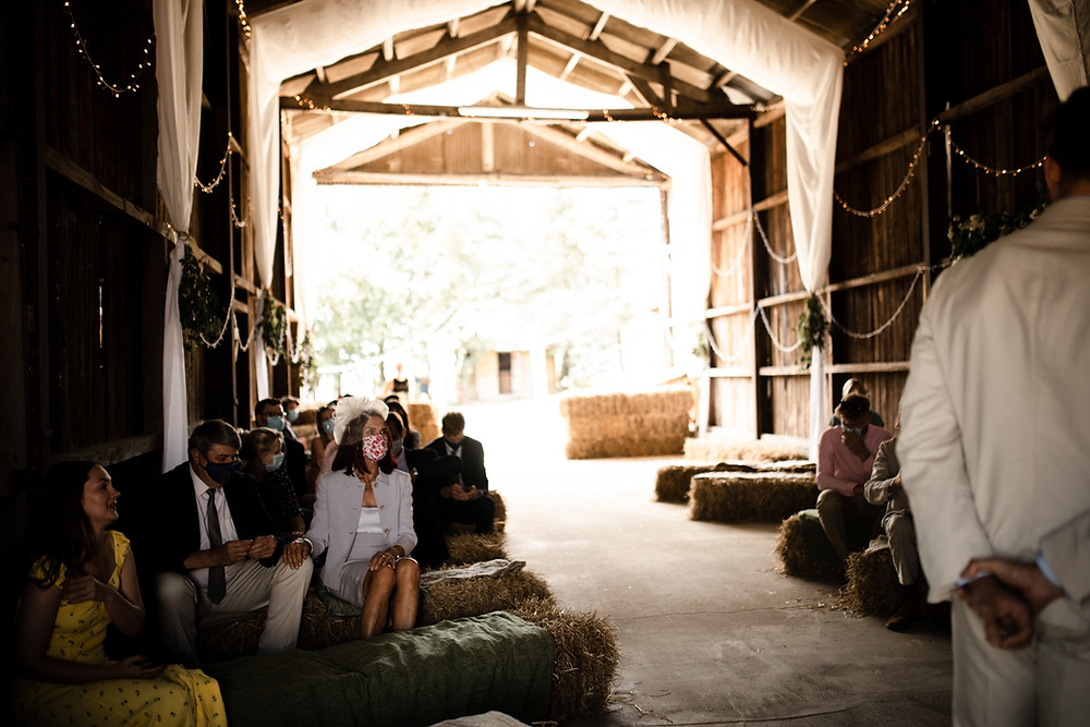 Natural and relaxed wedding photography