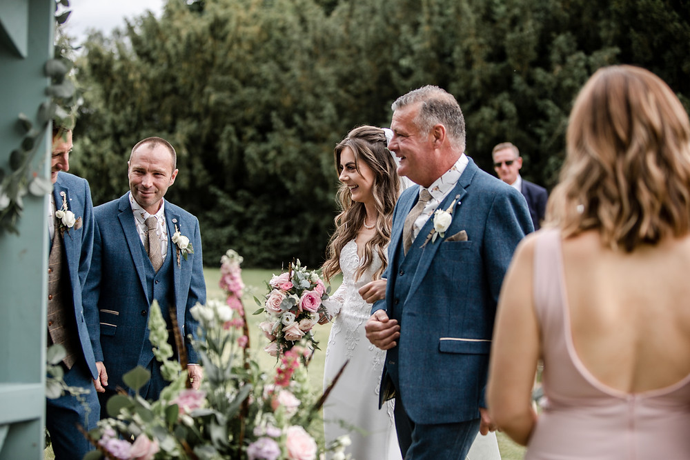 Informal & Relaxed Wedding Photography
