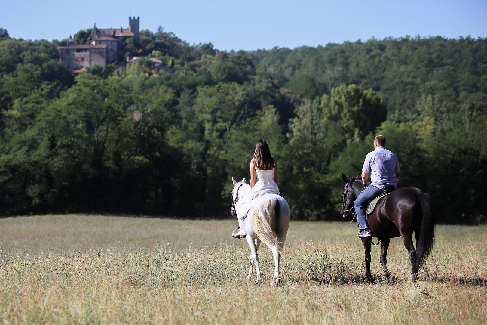 Riding towards a Tuscan Castle