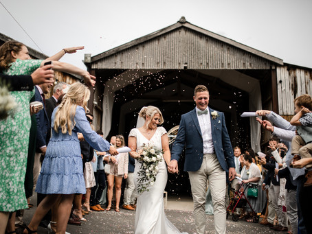 LOUISE & CHRIS   A Deepdale Farm, stress-free, charming barn wedding complete with outlandish PARTY!