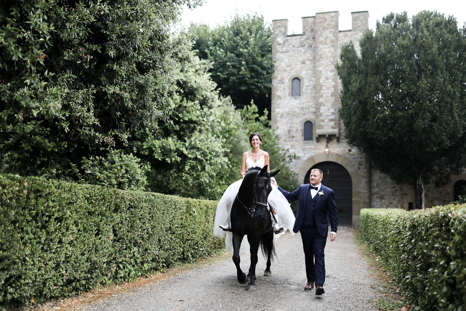 A fairy tale wedding in Castello di Montallo,  Tuscany