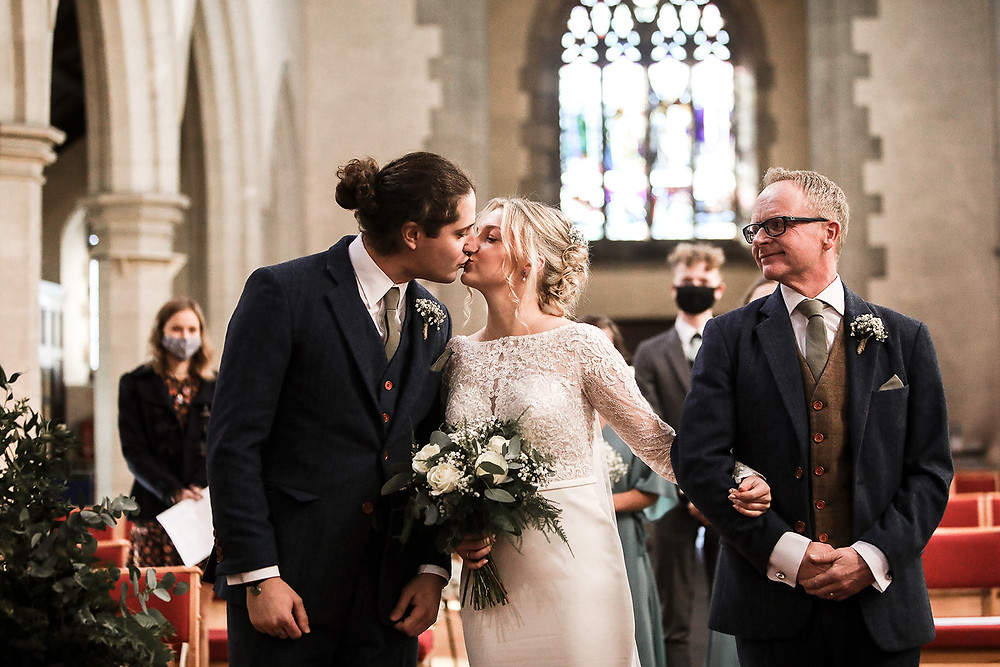 A sneaky kiss as Hannah sees George for the first time that day.