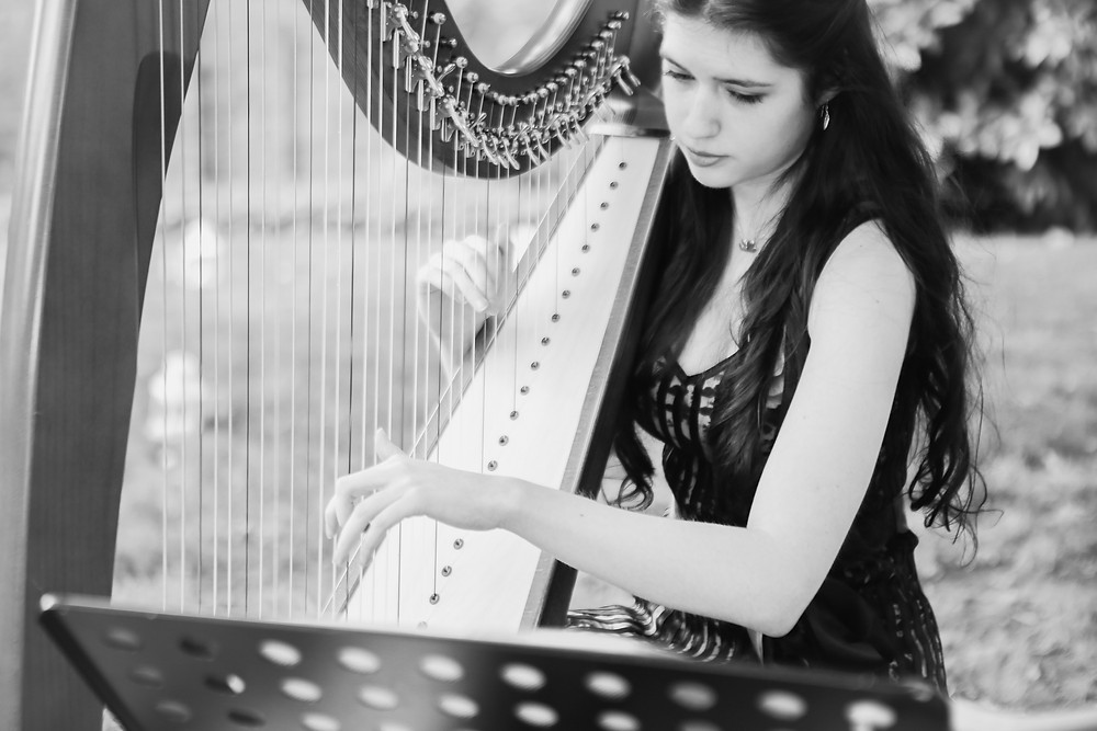 Harpist, Phoebe King, phoebesummerking@outlook.com