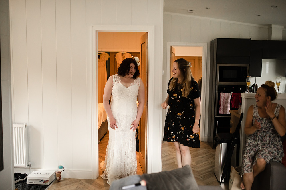 RELAXED AND INFORMAL WEDDING PHOTOGRAPHY