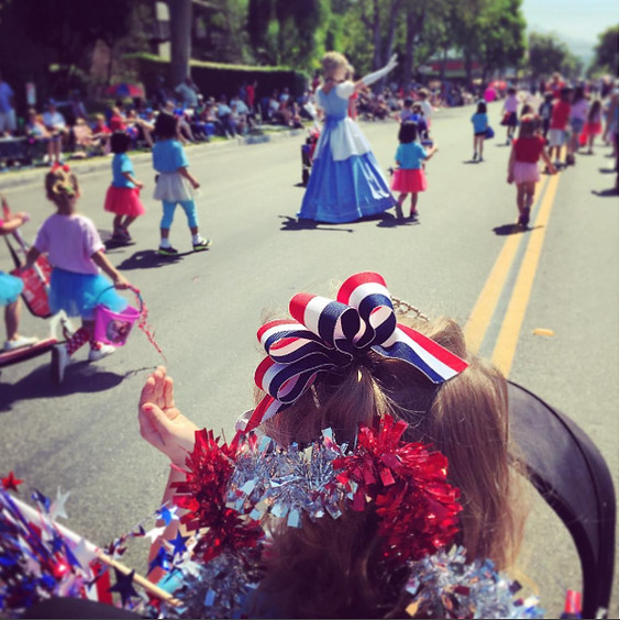 SIERRA MADRE 4TH OF JULY PARADE