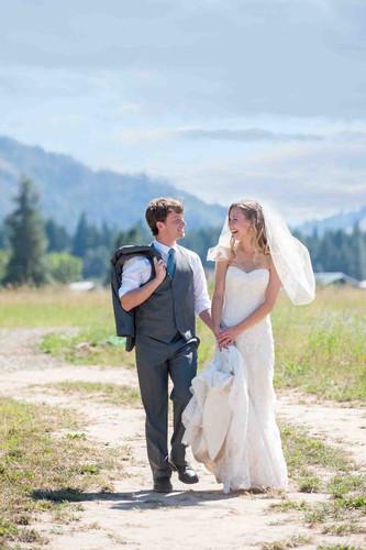 51-tin-roof-barn-white-salmon-wedding-ph