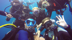 Diving with friends -Australia