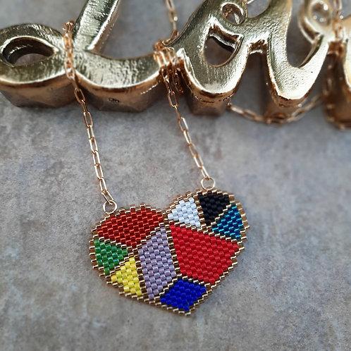 שרשרת נוכחות לב צבעוני, מתנה מושלמת לאשה