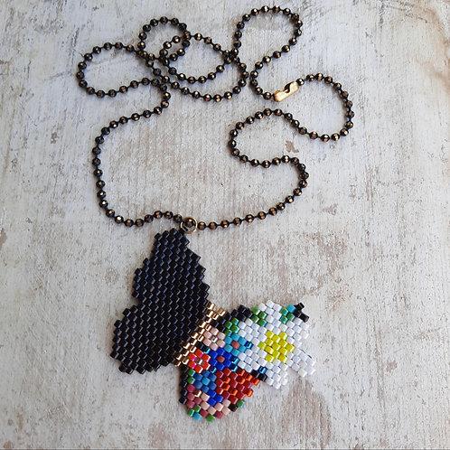 שרשרת פרפר צבעוני בעבודת יד - תכשיטים אמנותיים בעבודת יד