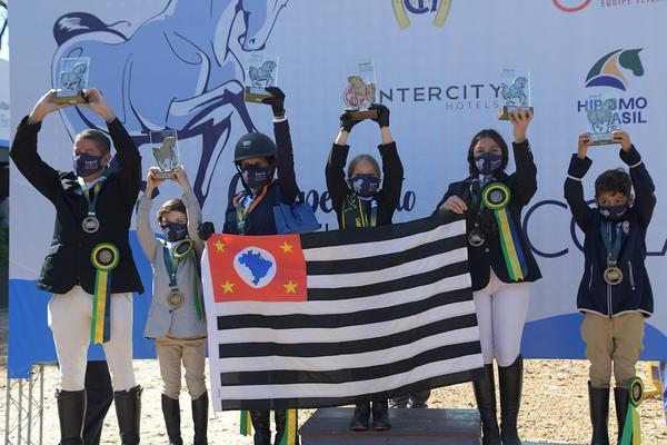 Vencedores da categoria Preliminar no Brasileiro de Escolas (Tupa Video)