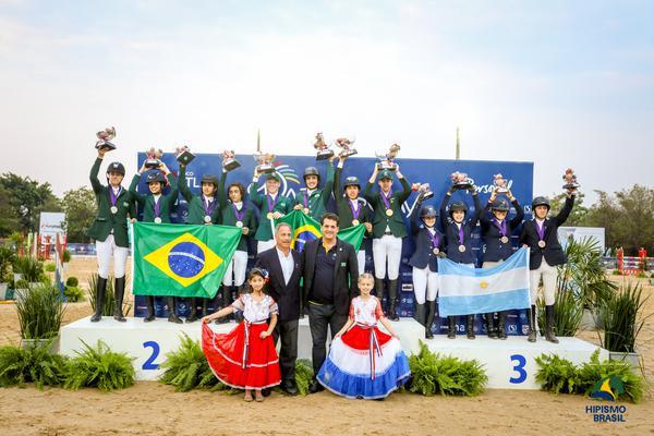 Dobradinha brasileira no pódio da categoria Pré-junior (Luis Ruas)