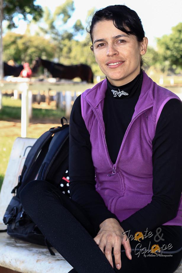 Josiane Gulart monta há 14 anos. Começou em cancha reta na cidade de Carazinho, interior gaúcho, e desde então não se afastou da velocidade.
