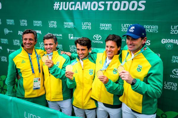 Felipe, Rodrigo, Marlon, Pedro e Eduardo  (CBH Luis Ruas