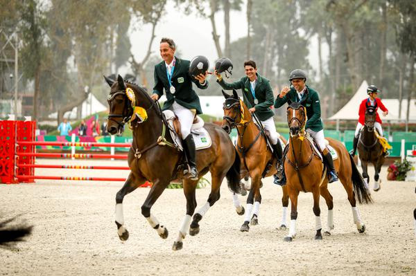 Time Brasil de CCE - Concurso Completo de Equitação é prata e carimba passaporte para Tóquio 2020
