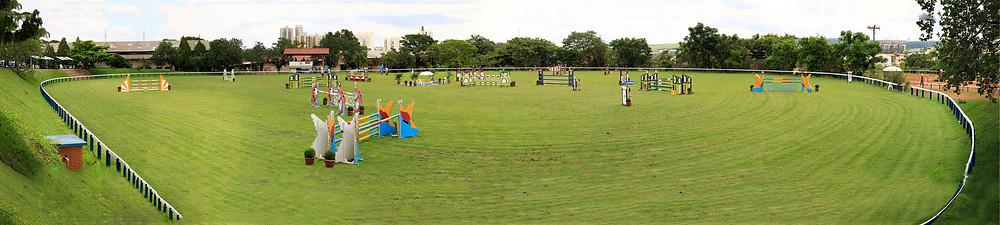 Panorama da pista da Sociedade Hípica de Campinas