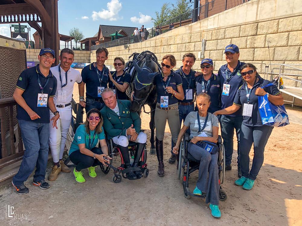 Time Brasil Paraequestre e equipe de apoio  (Luis Ruas)