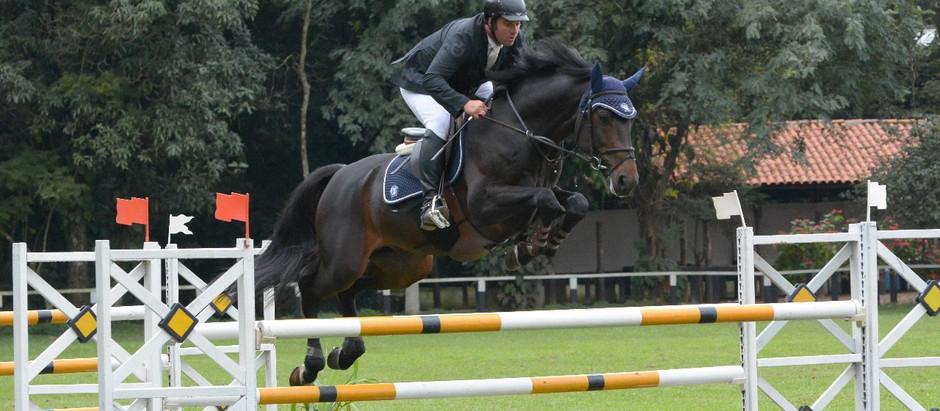 José Roberto Reynoso vence o Paulista de hipismo Cavalos Novos 4 e 7 anos