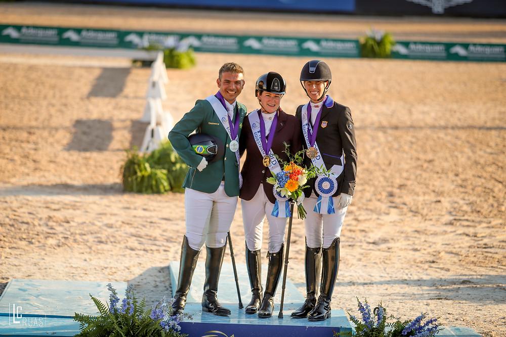 Sanne Voets, campeã, Rodolpho Riskalla, vice, e Kate Shoemaker,bronze em 22/9  (Luis Ruas)