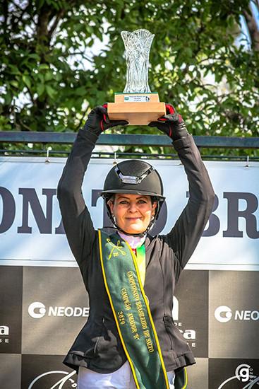 Ingrid Nogueira Araujo: campeã Amador B (foto Grace Cambraia)