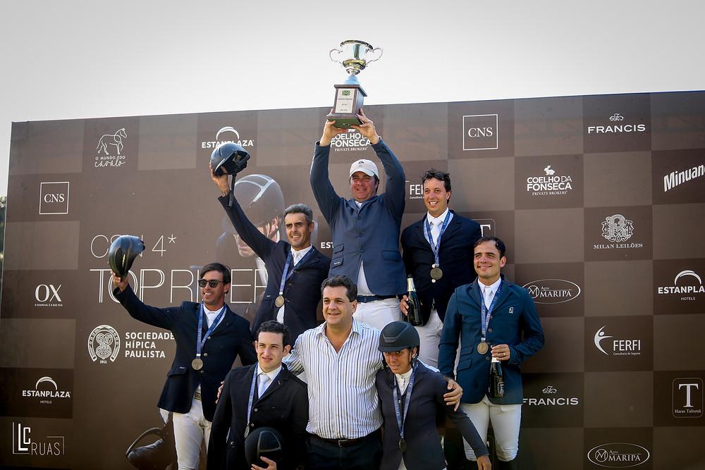 José Reynoso, campeão do ranking senior top, ao lado do vencedores do GP (Luis Ruas)